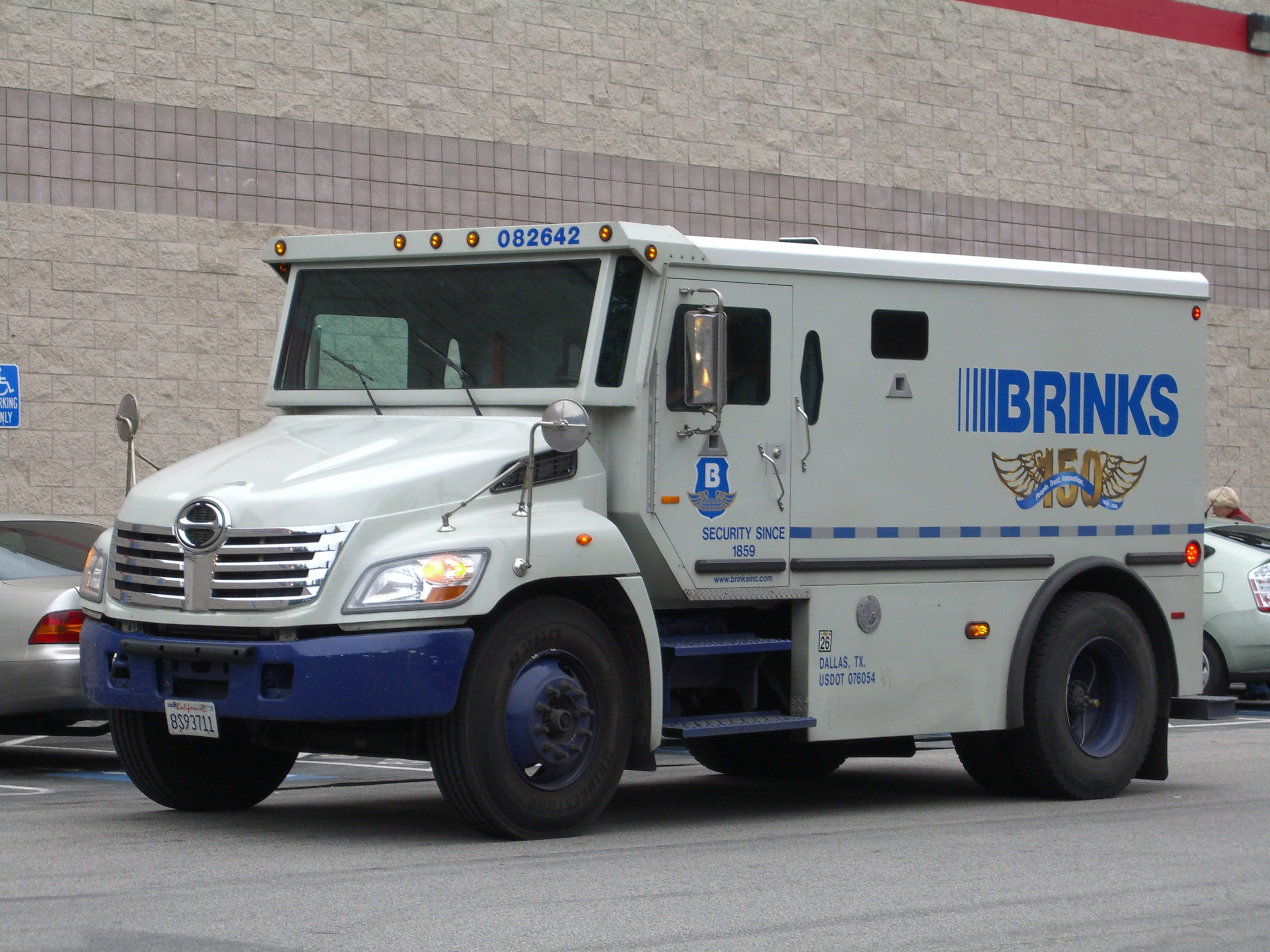 Brink's Armored Car Workers Join Fight for 15 and a Union ...