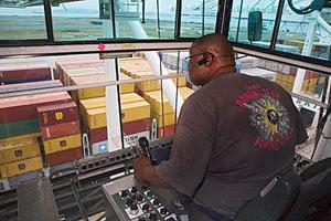 how to become a port crane operator