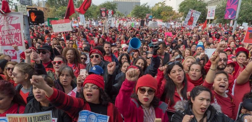 A huge crowd of strikers