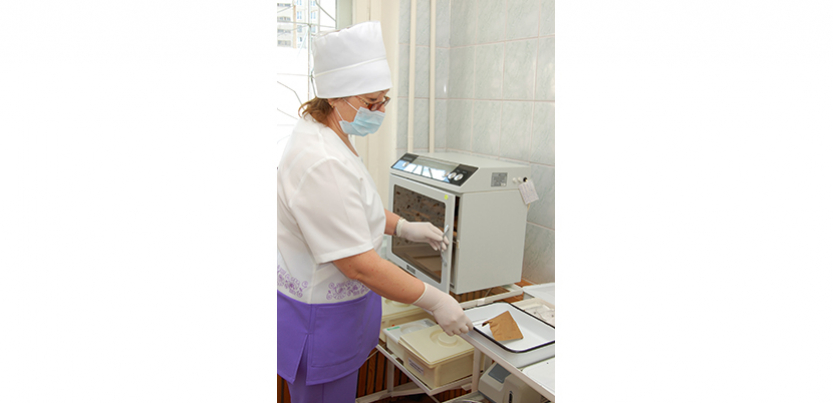Nurse engaged in activity in laboratory